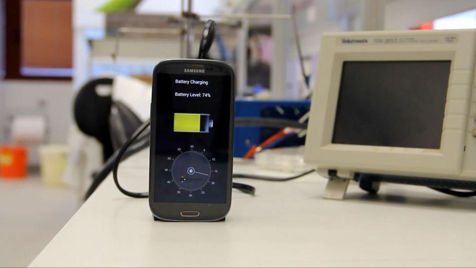 Denne dingsen lader mobilen på 30 sekunder
