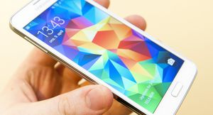 Samsung Galaxy S5 solgte svært godt i april.
