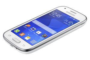 Samsung Galaxy Ace Style fås i både svart og hvitt.