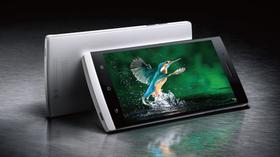 Oppo Find 7 har bedre oppløsning, men LCD-skjerm.