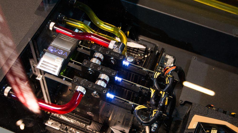 Kan tre solid overklokkede GeForce GTX 780 Ti hamle opp med fire stykker som ikke er klokket like høyt opp?