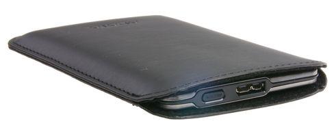 Inne i etuiet ligger SSD-en med god beskyttelse.