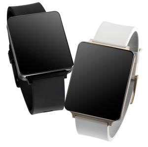 LG G Watch kommer i to farger; svart og «champagne»-farget.