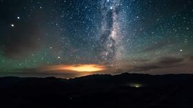 Fotografen fikk også fanget inn fantastiske bilder av nattehimmelen.