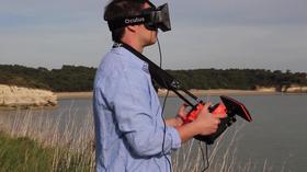 Bebop i bruk med Oculus Rift og Skycontroller.