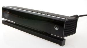 Kinect nappes ut av eksen. Vips! Billigere Xbox One.