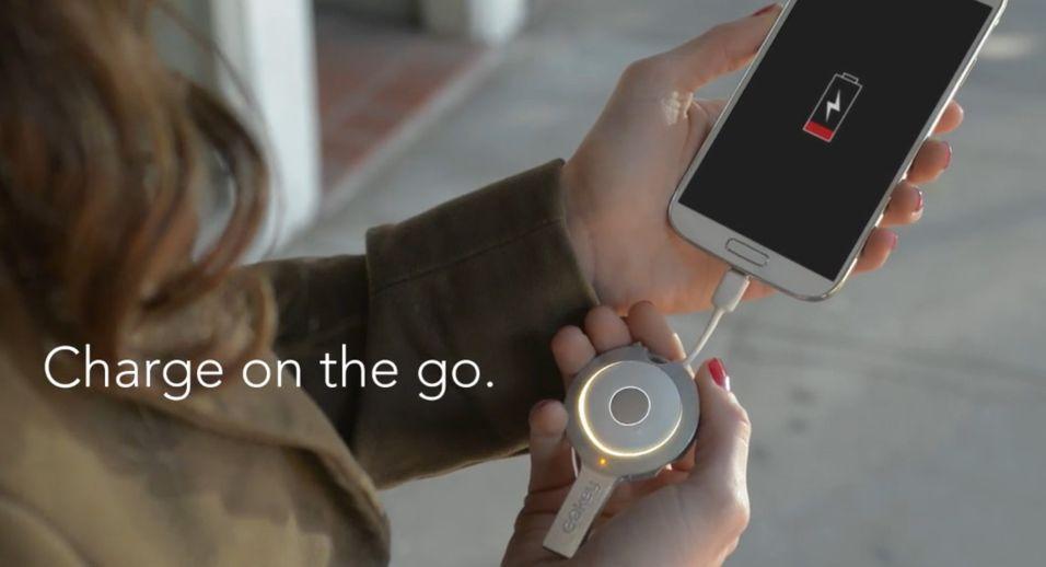 Lading, lagringsplass, nøkkelfinner og datakabel. GOKey er et kapabelt mikrotilbehør.