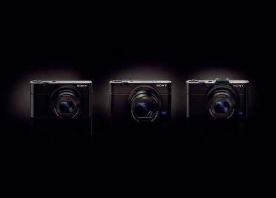 Familiebilde: RX100, RX100 Mark 3 og RX100 Mark 2.