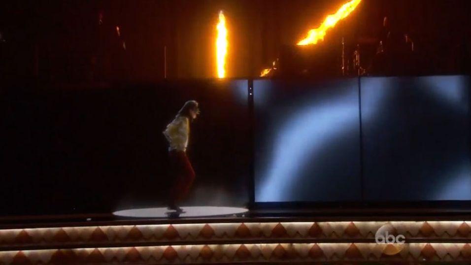 Her tar Michael Jackson moonwalk igjen