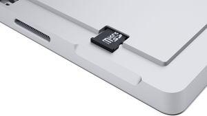 Det er støtte for MicroSD-kort.