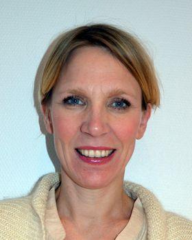 Ellen Scheen, kommunikasjonsrådgiver i Telia sier testen fra Aalborg kan være vanskelig å bruke til å velge rett mobil, men at den gir endel gode råd, som å bruke håndfrisett.