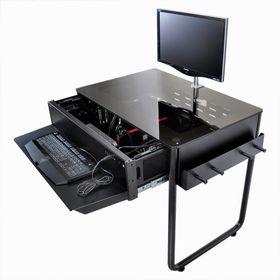 Lian Li DK-02 har plass til to systemer.