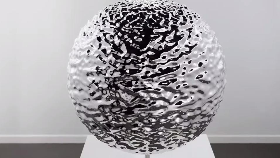Denne skulpturen «smelter» ved hjelp av strobelys og stillbilder