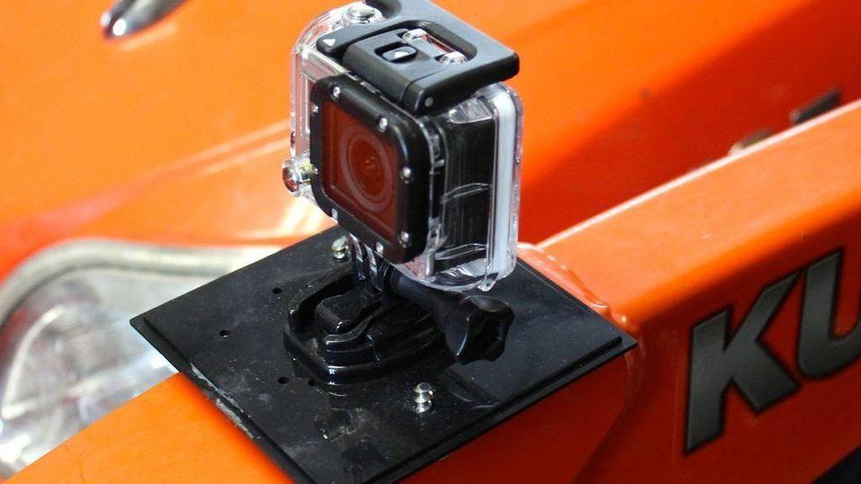 Slik fester du enkelt GoPro-kameraet til metalloverflater