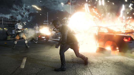 Kule fyrer ser ikke på eksplosjonene.