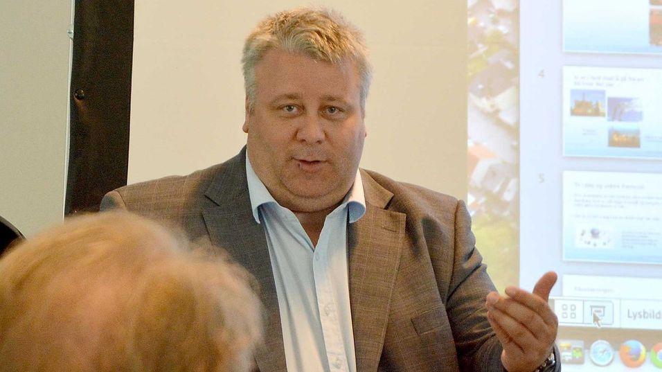 Statssekretær Bård Hoksrud i Samferdselsdepartementet tror Norge kan bli attraktivt for store datasentre gjennom et samspill mellom næring og det offentlige.
