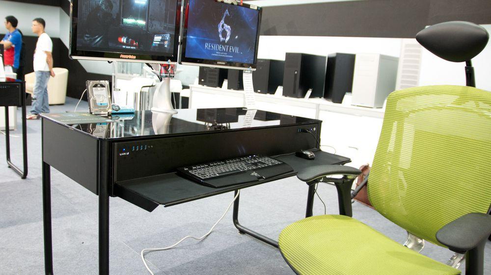 Det er ikke noe problem å være høy eller å finne en god plass, i hvert fall om du har en stol med armlener.
