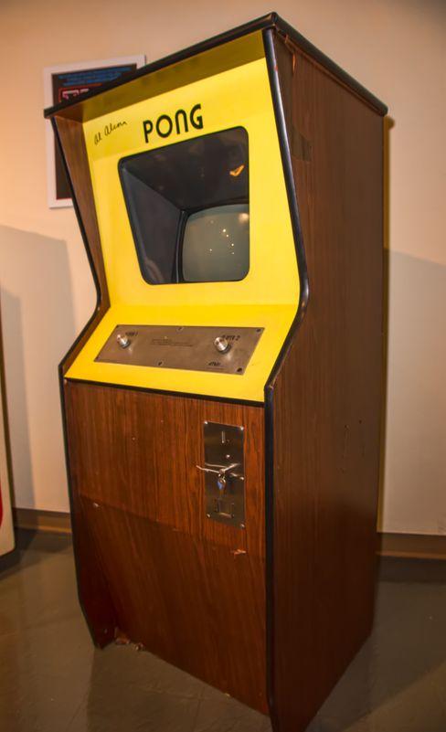 Arkadeutgaven av Pong, ett av Bushnells første vellykkede spill (Foto: Creative Commons).