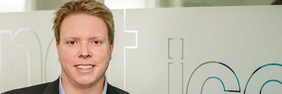 Ice-sjef Eivind Helgaker i Ice avgjør om kort tid hvem som blir leverandører i mobilnettet de skal bygge ved hjelp av frekvensressurser i 450-, 800-, 900- og 1800 MHz-båndene.