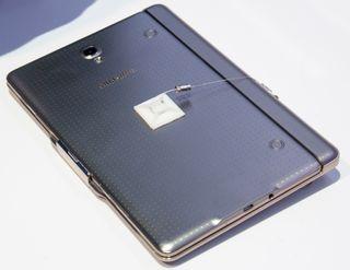 Sammen med tastaturdekselet er Galaxy Tab S 8.4 sannsynligvis den lekreste og mest portable «PC-en» vi har sett.