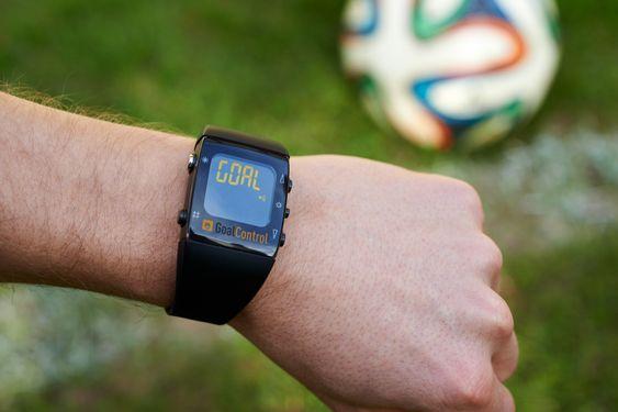 Blir det mål får dommeren en melding på klokken sin.