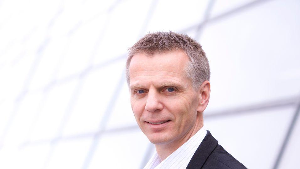 Tidligere Telenor Norge-sjef Ragnar Kårhus blir sjef for det nordiske parabolselskapet.