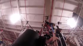 En enorm kamera-arm av tre var blant innretningene som ble brukt.