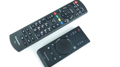 Det følger med to fjernkontroller til AS750.