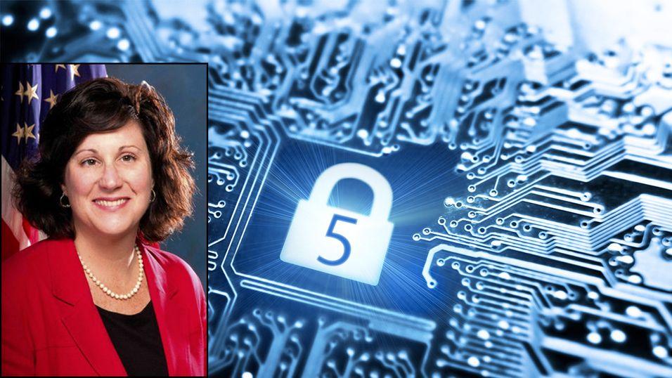 Mary Galligan, tidligere FBI-ansatt, forteller deg hvordan du kan holde privatlivet ditt skjult på nettet.