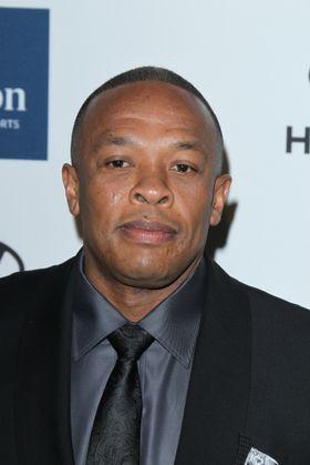 Apple kjøpte seg nettopp opp i hodetelefonprodusenten Beats by Dr. Dre, noe som resulterte i at den verdenskjente rapperen, og kompanjongen Jimmy Lovine, nå også jobber for Apple.