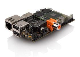 Fysisk sett er HummingBoard ganske lik Raspberry Pi.