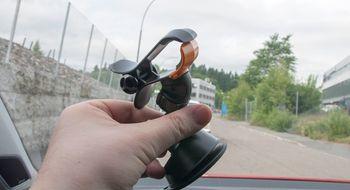 Klo + sugekopp = bilholder