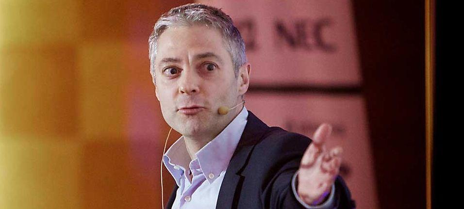 Salvador Baille er en uavhengig konsulent og analytiker innen telekom og mobil. Baille foreleser innen forretningsutvikling og innovasjon ved Høyskolen i Østfold.