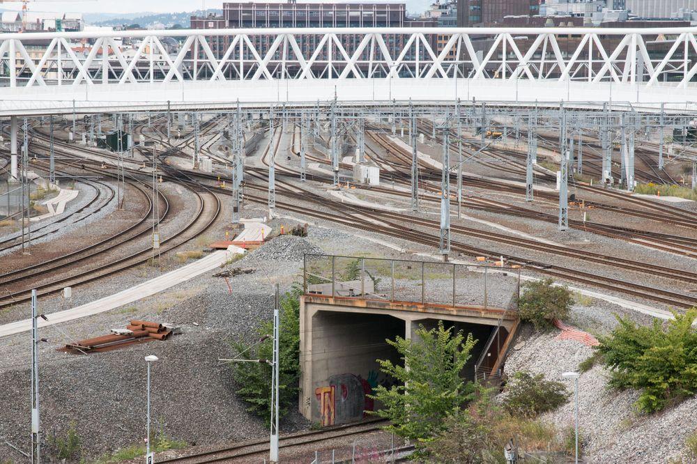 Sporvekslerne lar toget bytte bane. Men de feiler ofte.