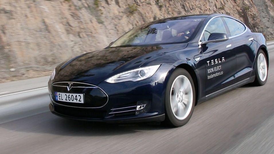 Har bekreftet navnet på en helt ny Tesla
