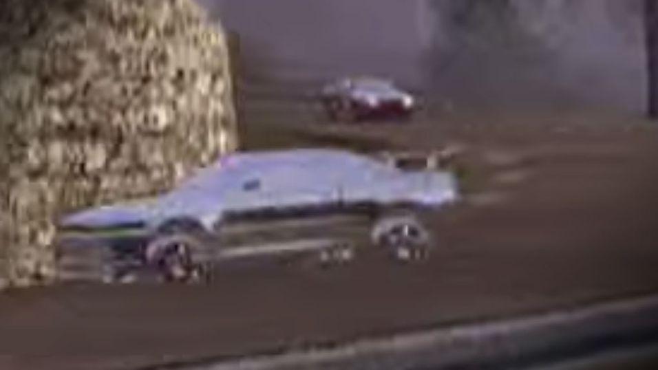 Bilen foran viser hvordan et «spøkelse» så ut på Xbox-spillet Rally Sports Challenge.