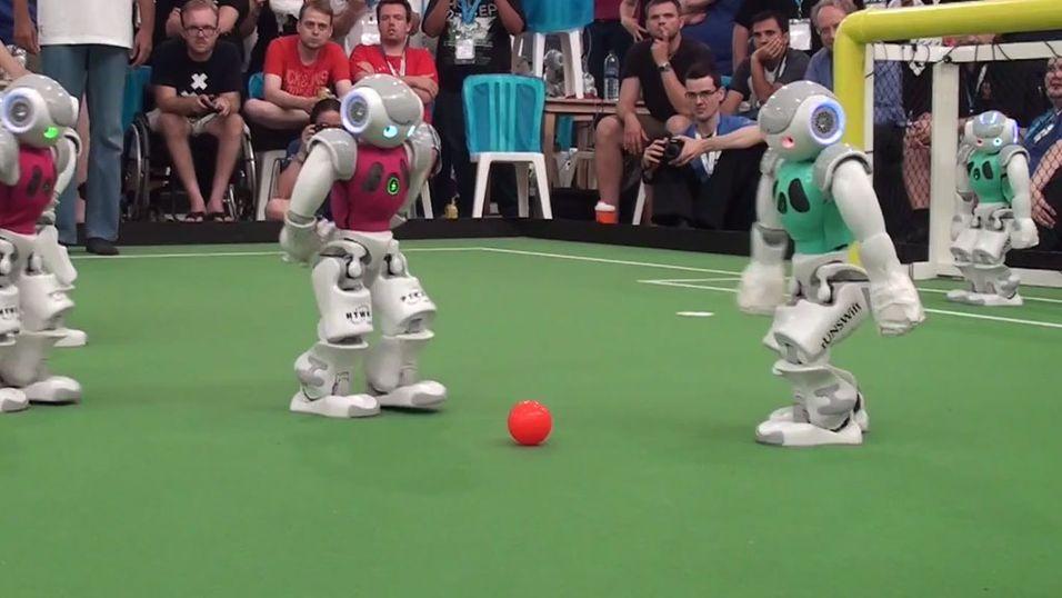 Se finalen fra årets RoboCup