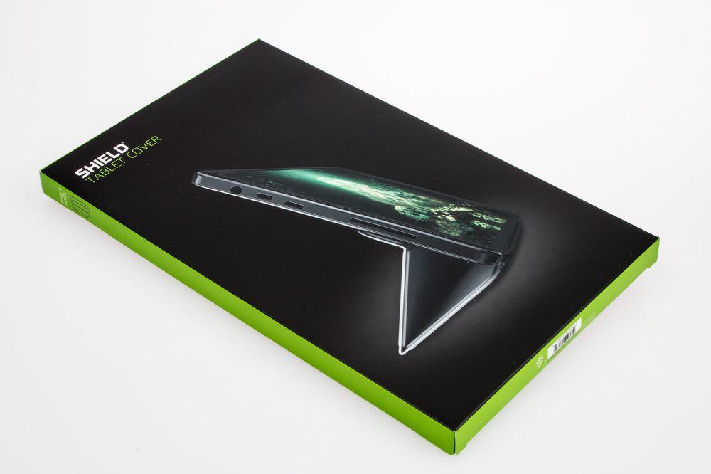 Nvidia Shield Tablet Cover er en ganske ordinær sak – den festes til nettbrettet, og så har du både skjermbeskyttelse og en fot det kan stå på.