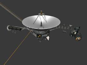 Hva med en modell av romsonden Voyager på skrivepulten?