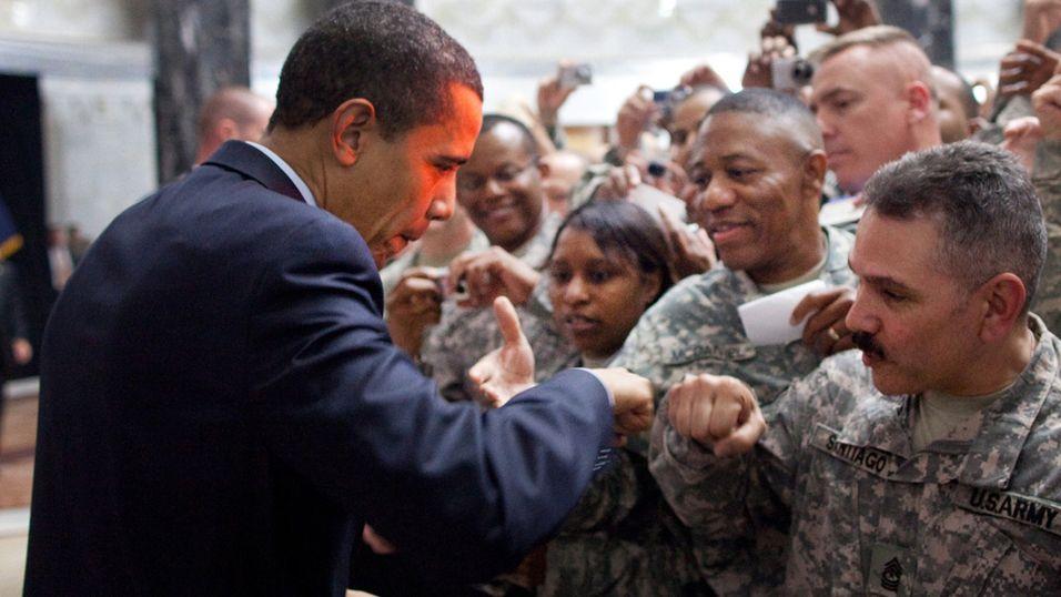USAs president Barack Obama har ved flere anledninger brukt «the fist bump».
