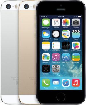 Slik ser dagens iPhone 5S ut. Det ser ut til at neste generasjon vil markere overgangen til en drastisk fornyet designfilosofi.