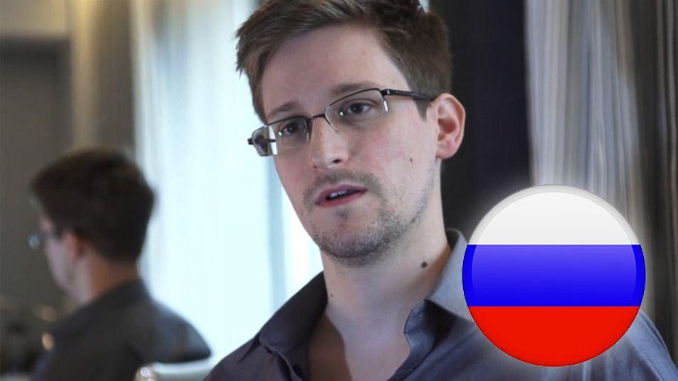 Edward Snowden har fått innvilget en treårig oppholdstillatelse i Russland.