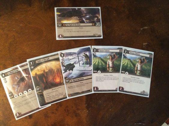 Et kortsett består av et objective-kort og fem spillkort. En kortstokk må bestå av ti objectives med femti tilhørende spillkort.