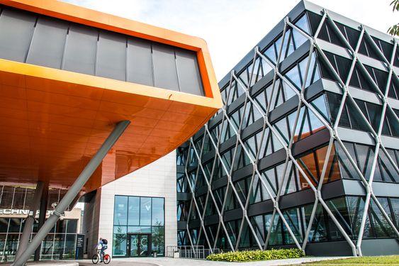 Her på IT Fornebu har Broadnet sine kontorer, hvor de planlegger og styrer mye av fiber- og CDN-strukturen i Norge.