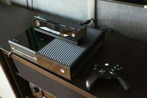 Hovedkonkuirrent Xbox One er ikke tilgjengelig i Norge enda.