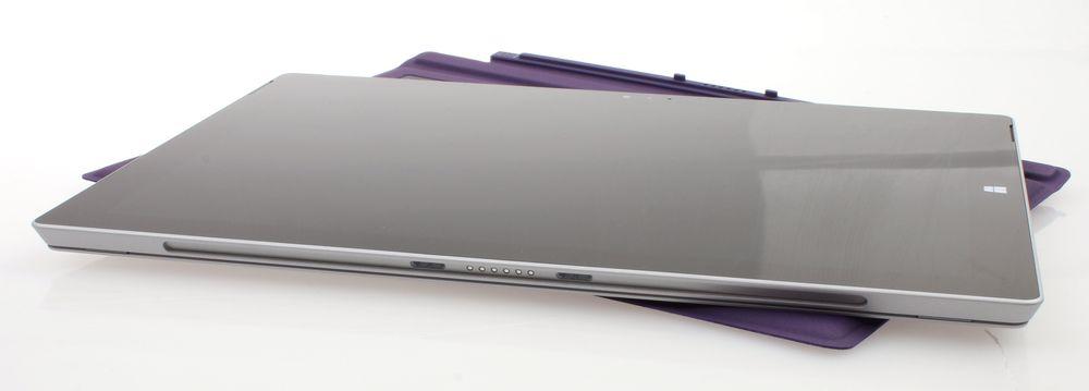 Uten tastatur er Surface Pro 3 kun ni millimeter tykk.