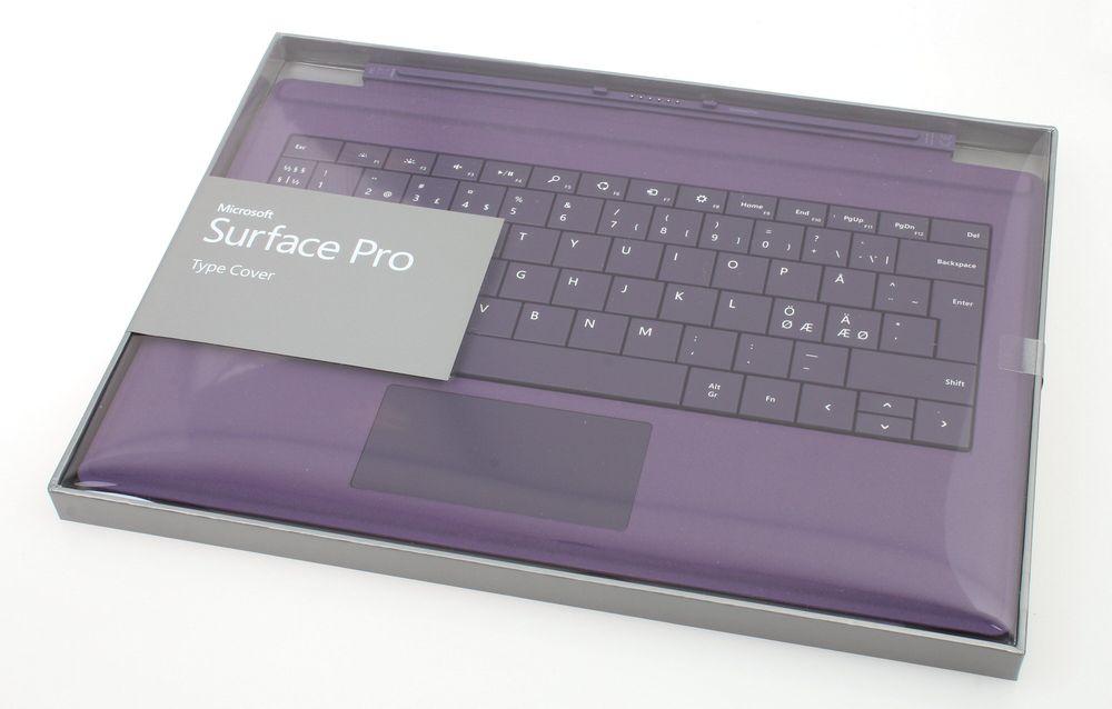 For å virkelig kunne bruke Surface Pro 3 skikkelig trenger du et tastaur. Det nye Pro Type Coveret er det eneste du som passer i skrivende stund, men til gjengjeld får du den i fem forskjellige farger.