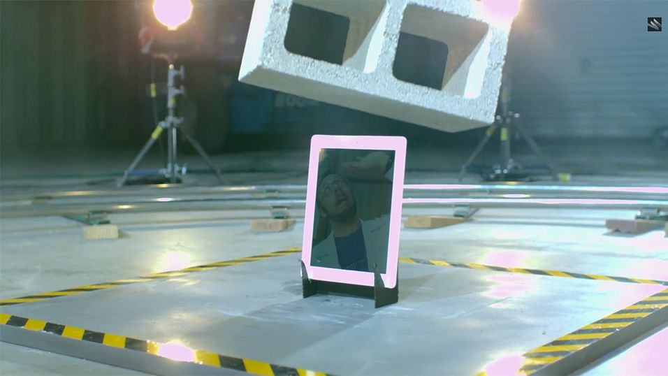 Tåler iPad-en din et møte med en sementblokk?
