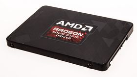 Radeon R7 SSD 240 GB.