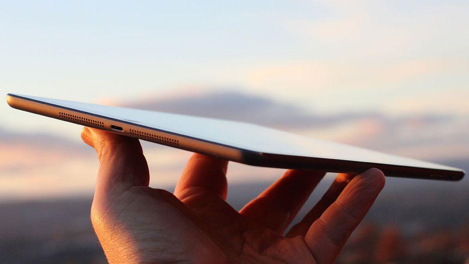 Neste generasjons Ipad air fra Apple kommer med Apples eget simkort installert.